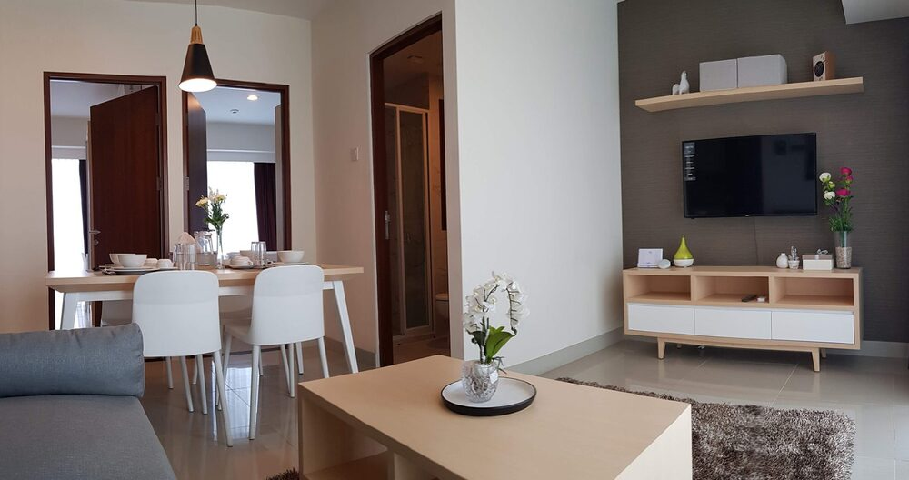 Show-Unit-Dining-Room